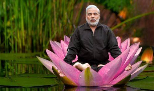 056_narendra-modi-meditates
