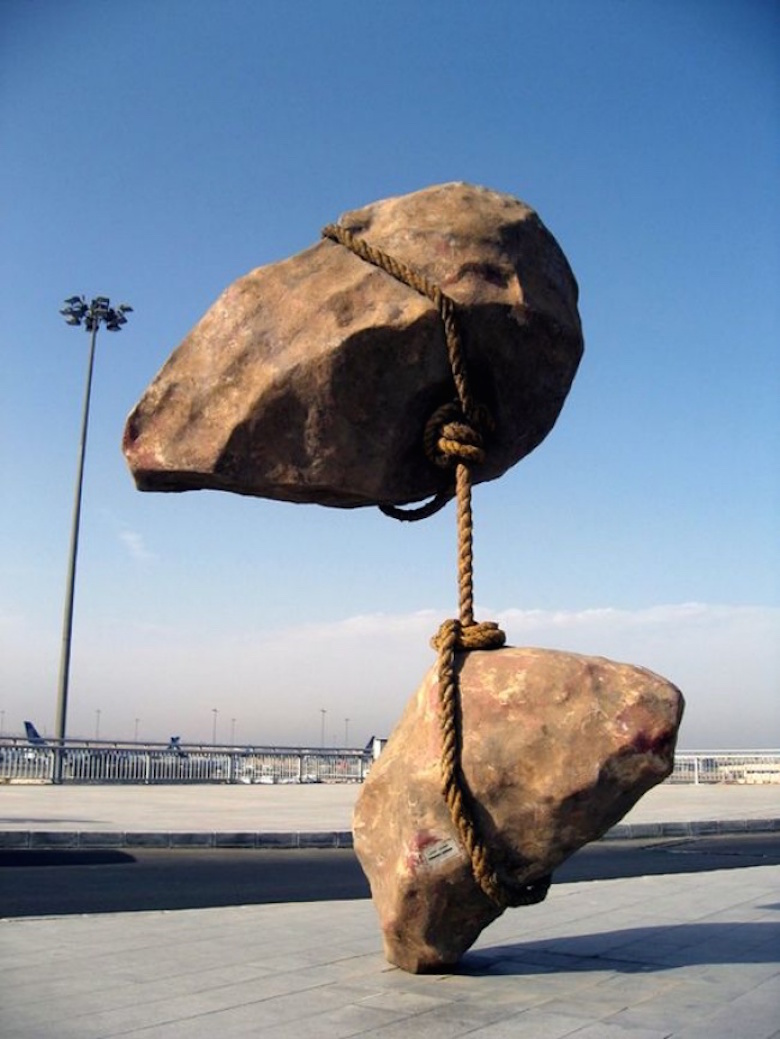 sculptures-that-defy-gravity-laws-of-physics-4