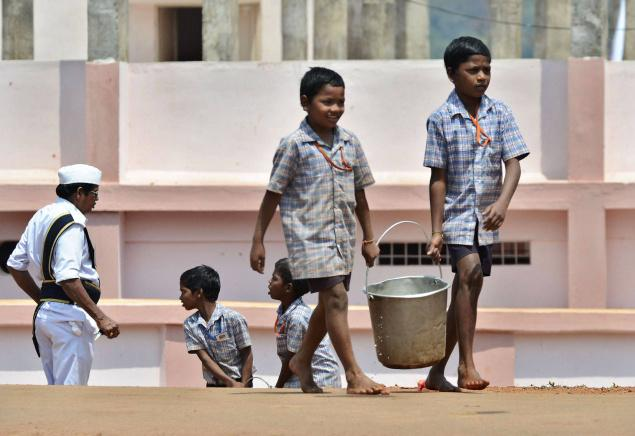 Vidya-ka-Mandir-child-labour-at-school