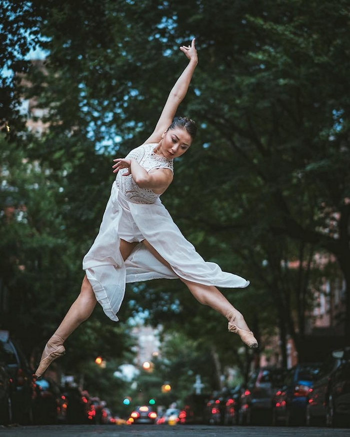 urban-ballet-dancers-new-york-streets-omar-robles-92-57b30f9207ab6__700