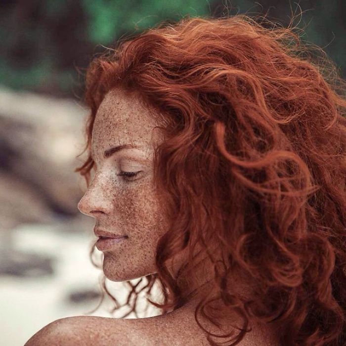 freckles-redheads-beautiful-portrait-photography-3-583565bcae5f1__700
